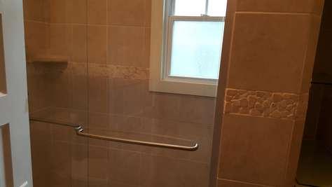 1st floor Shower