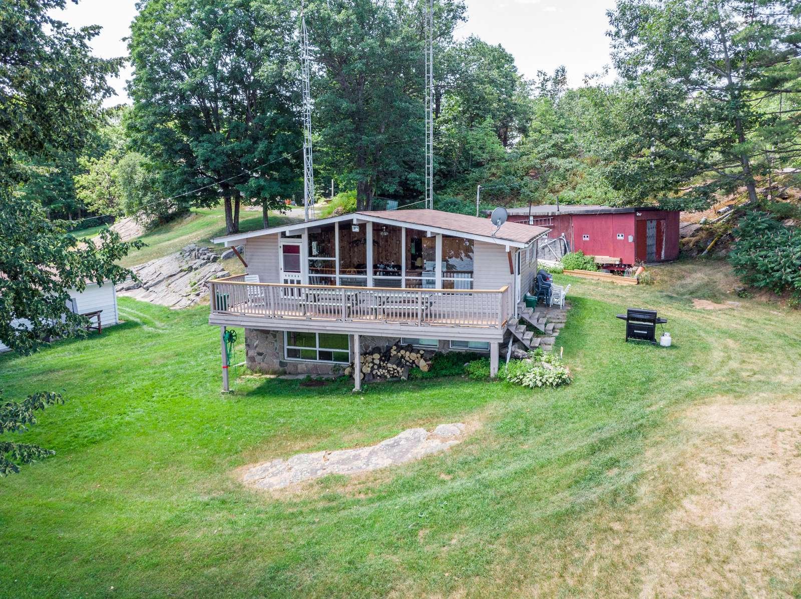 Cottage - property
