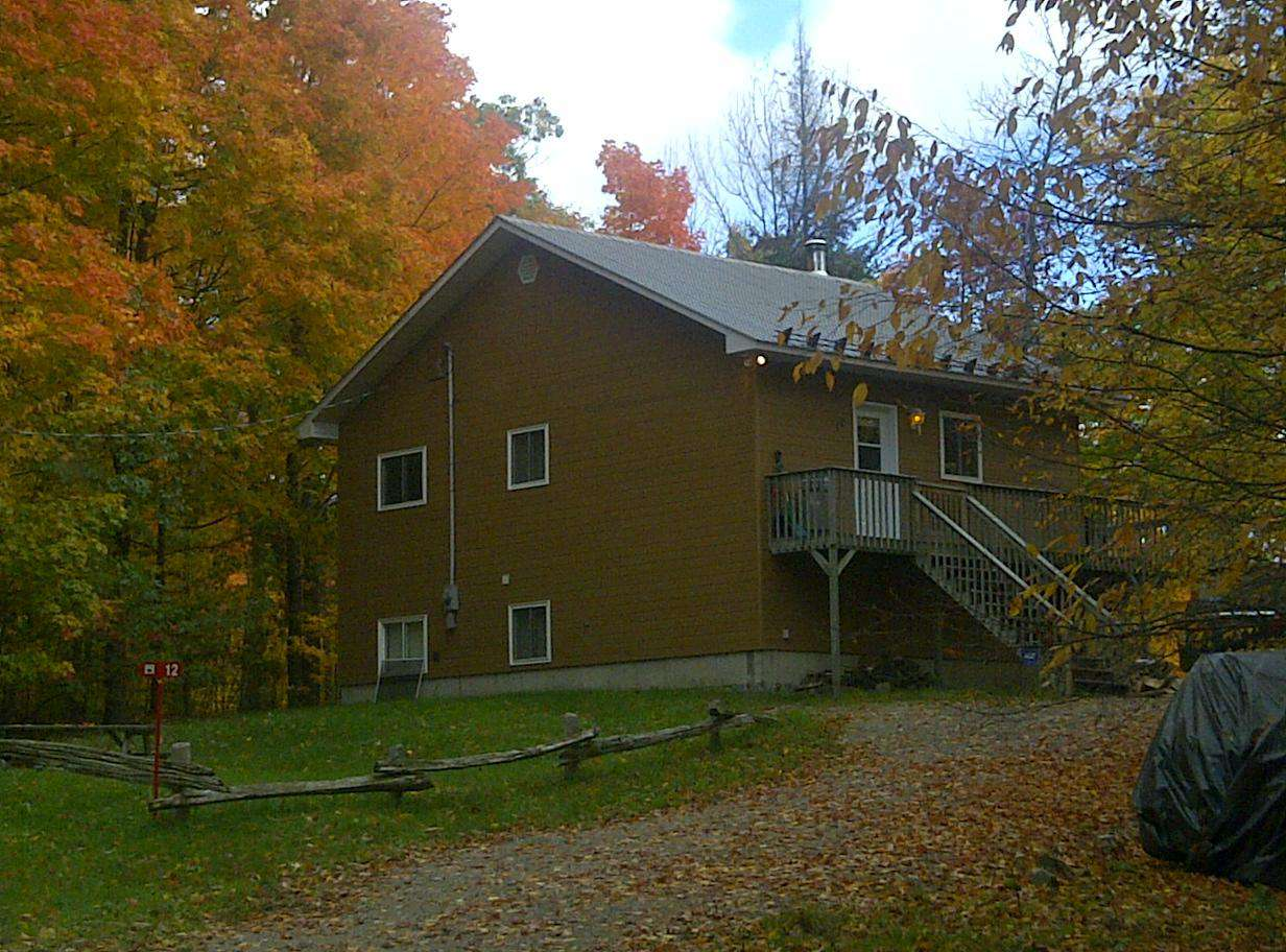 So beautiful. Love the fall up the cottage!