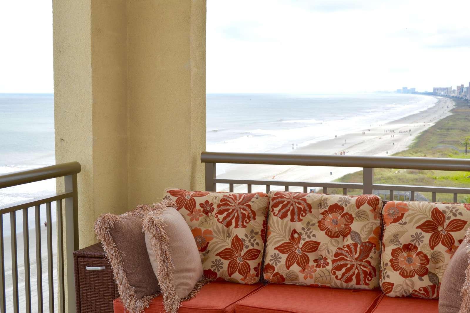Oceanfront, Corner views