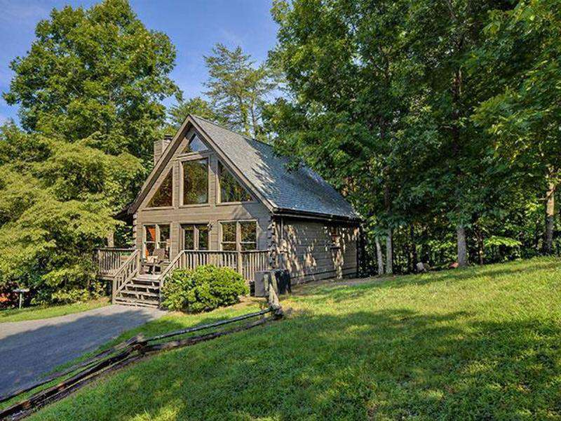Whispering Pines – Country Pines Resort (2 BR) - property