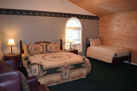 #2 - Corbin Room - 1 King, 1 Twin with Private Bath