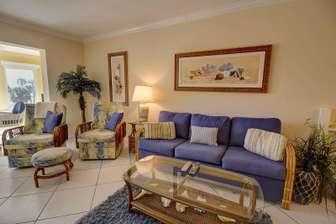 Living room queen-size sofa bed thumb