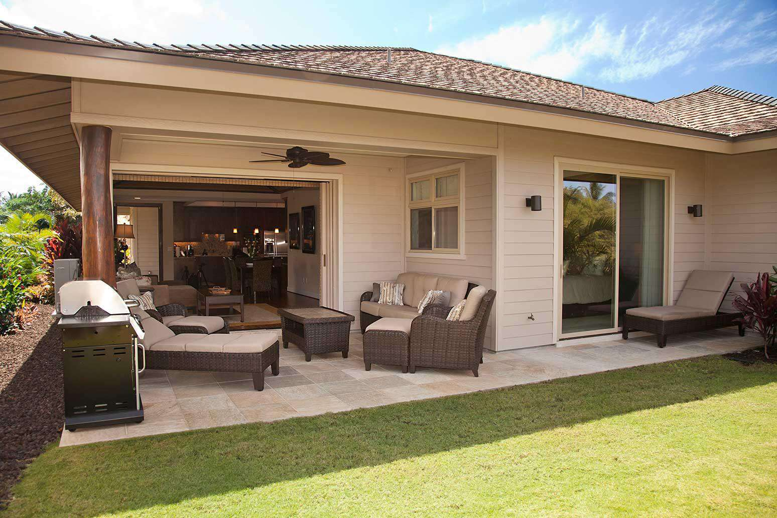 Relax on the rear lanai!
