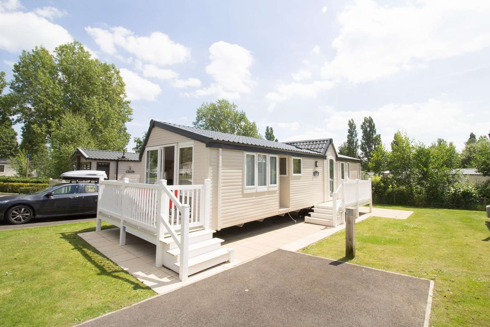 Platinum caravan at Haven Hopton with decking available to rent for 2017