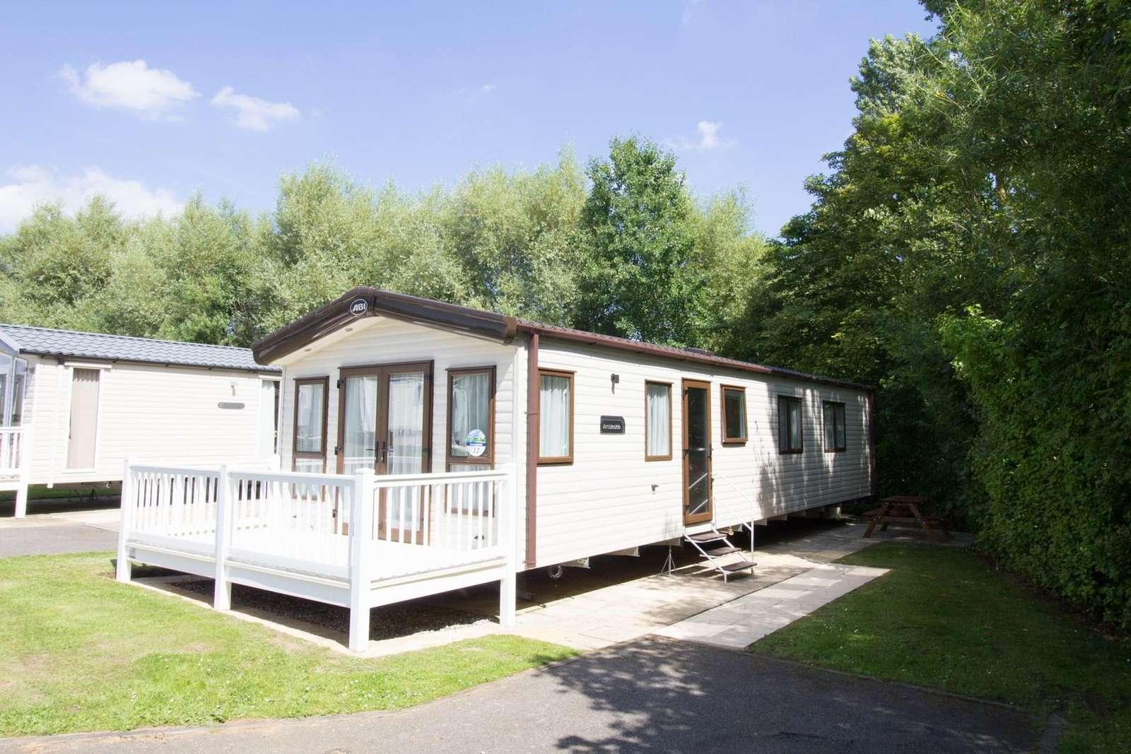 Haven Hopton Holiday Village caravan for hire platinum 6 berth