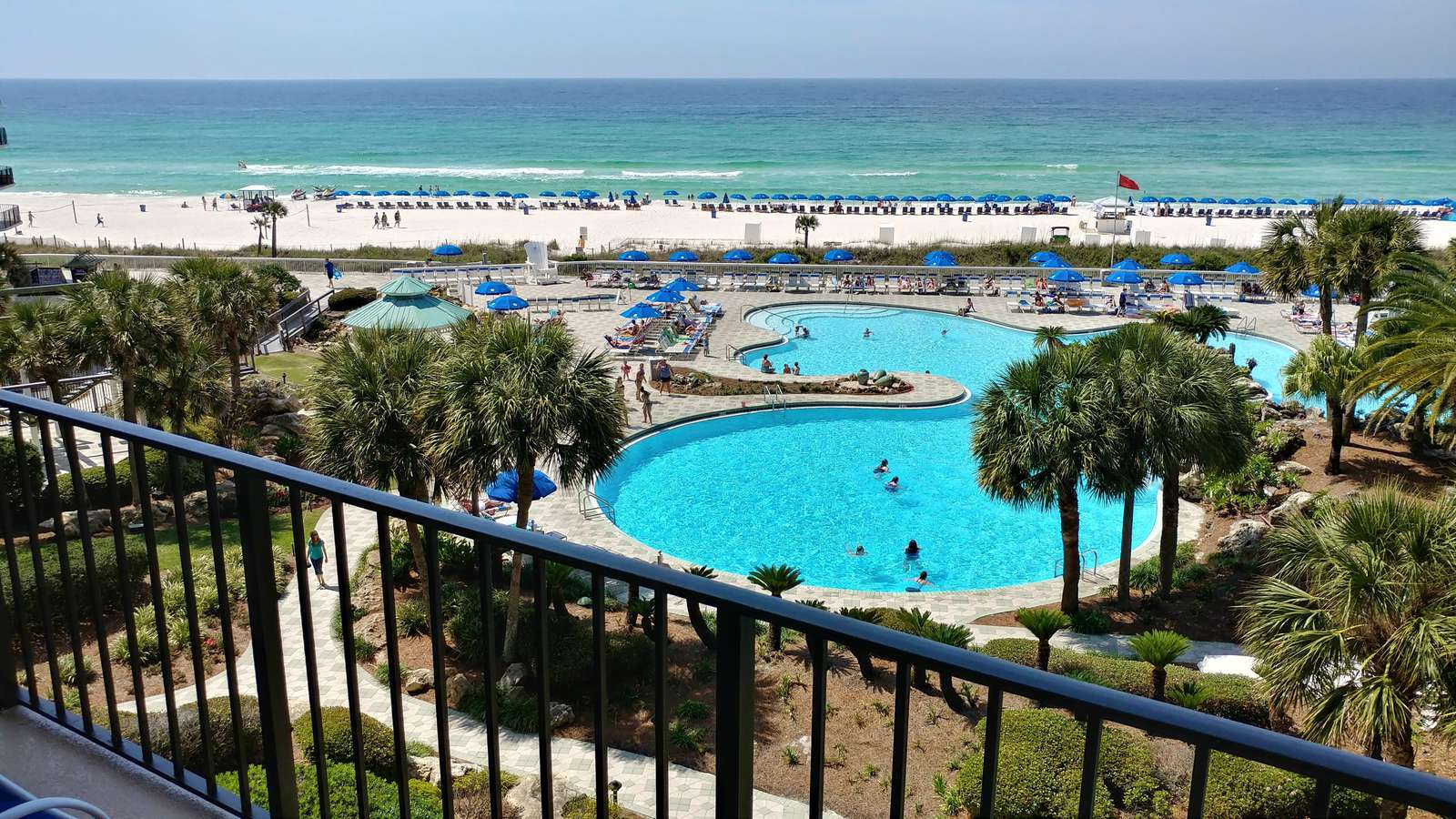 View of Large Lagoon Pool/Beach behind Tower 1 - property