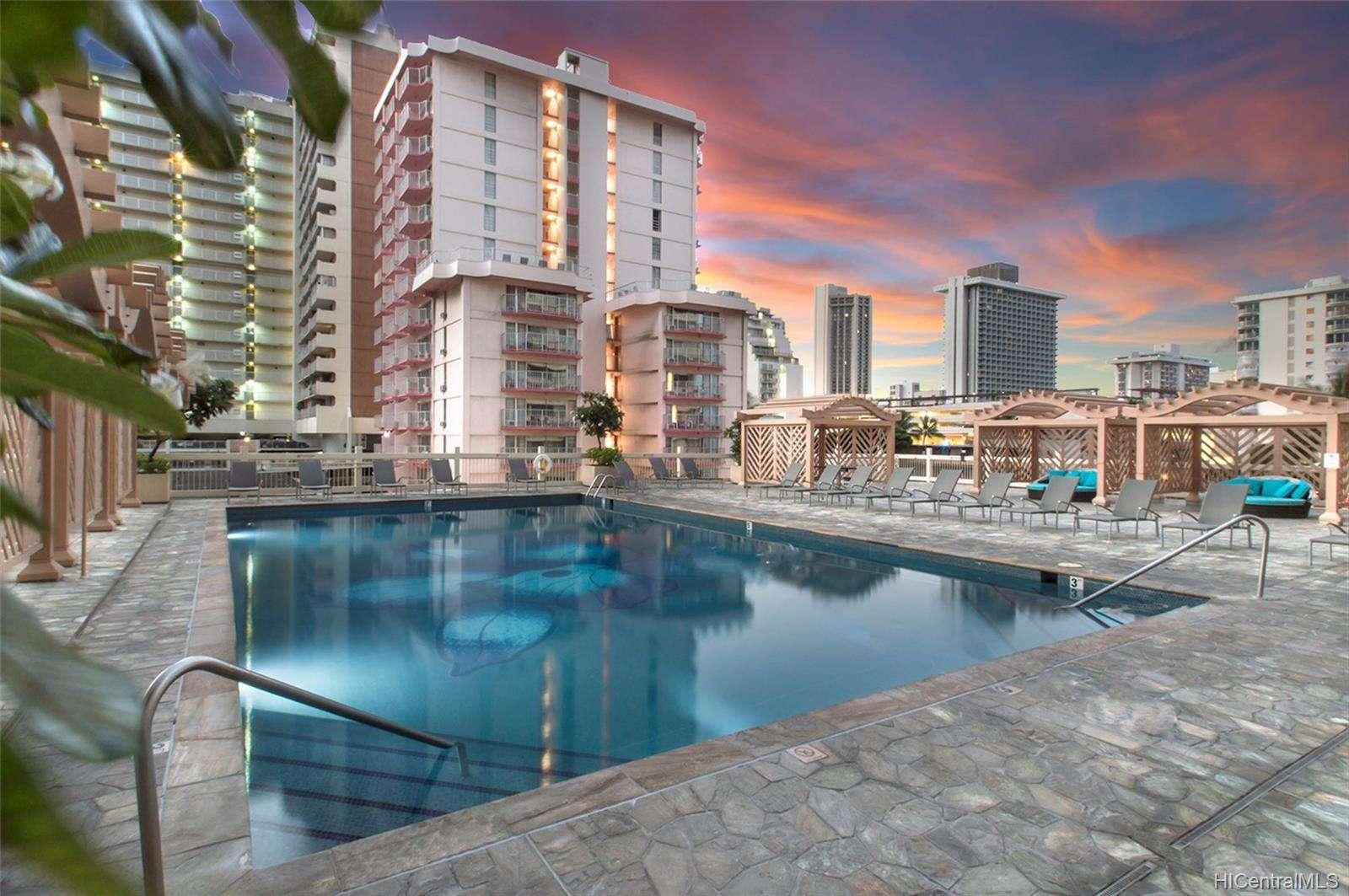 Pool - 6th Floor Sundeck