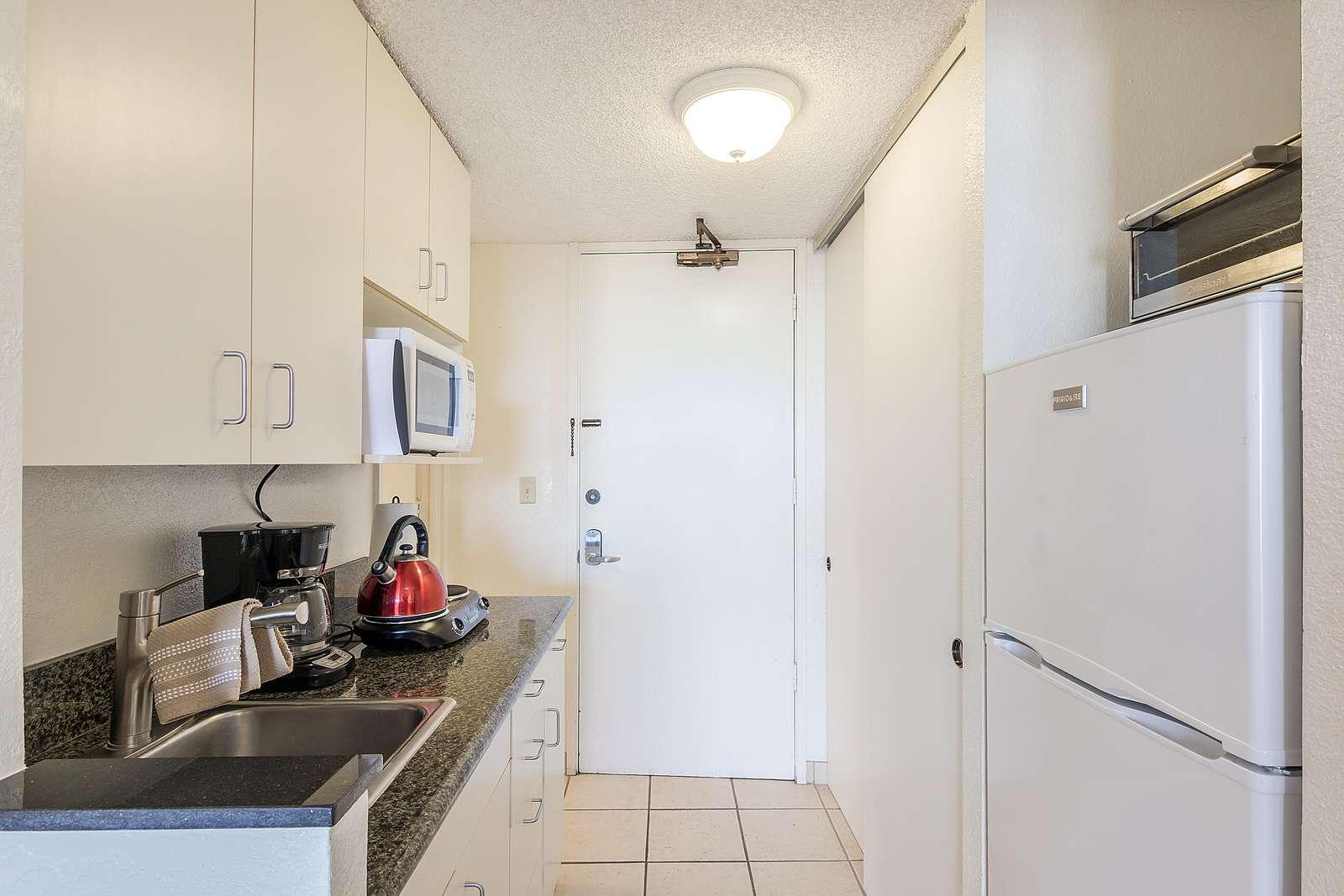 Kitchenette W/ Full Size Refrigerator