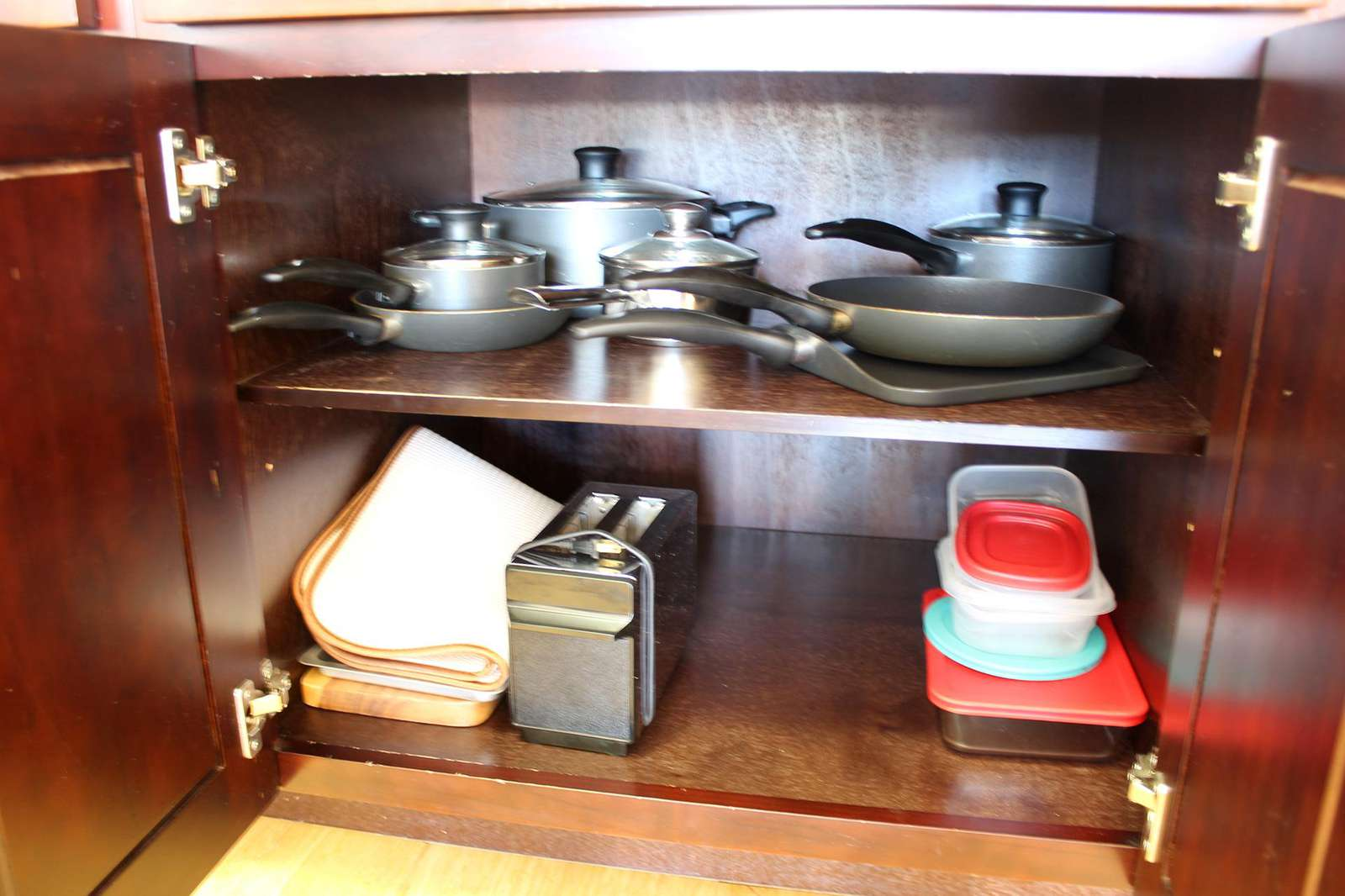 Cookware and Toaster