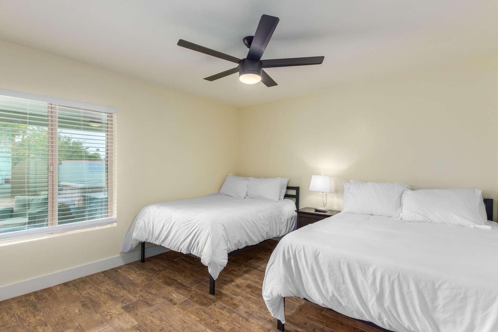4th Bedroom W/2 Double Beds-Huge TV