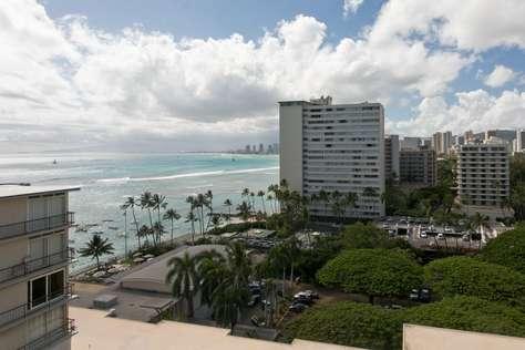 looking towards Waikiki from side lanai