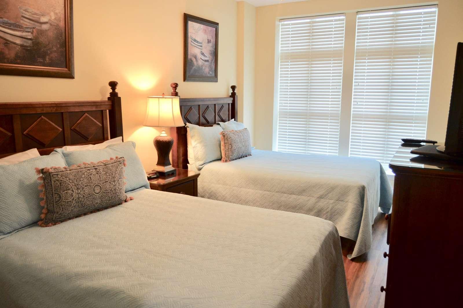 Guest bedroom 2, 2 Queens