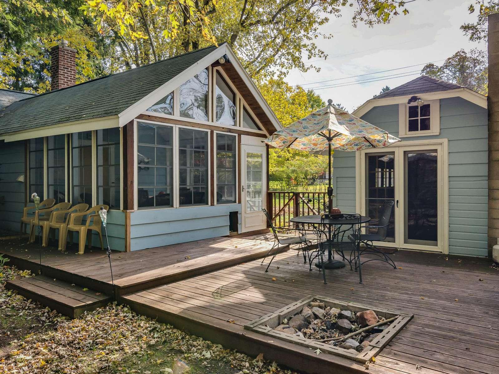 Fairytale Cottage – Sawyer - property