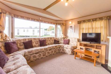 Static caravan for rent at Breydon water Holiday park