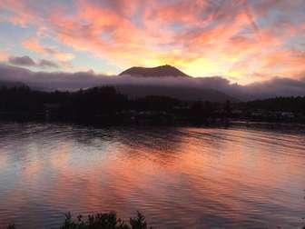 Sunrise over Mt Ozard thumb
