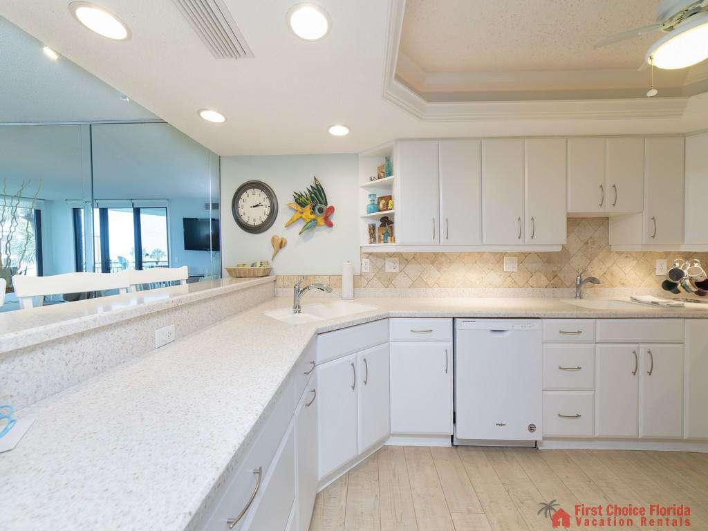 Anastasia Condo 303 Kitchen Cabinets