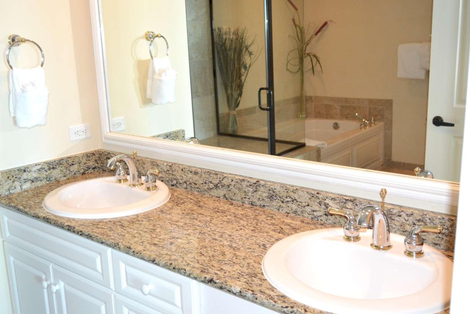 Master bath, double sinks, granite tops