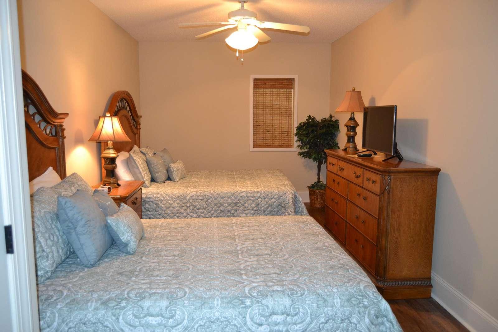Guest bedroom, private bath, flat screen