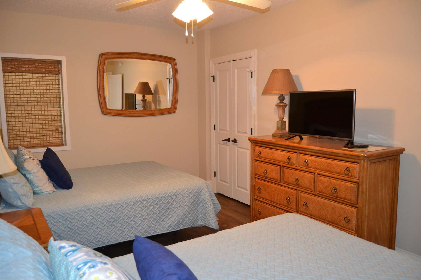 Guest bedroom, flat screen, wifi and cable
