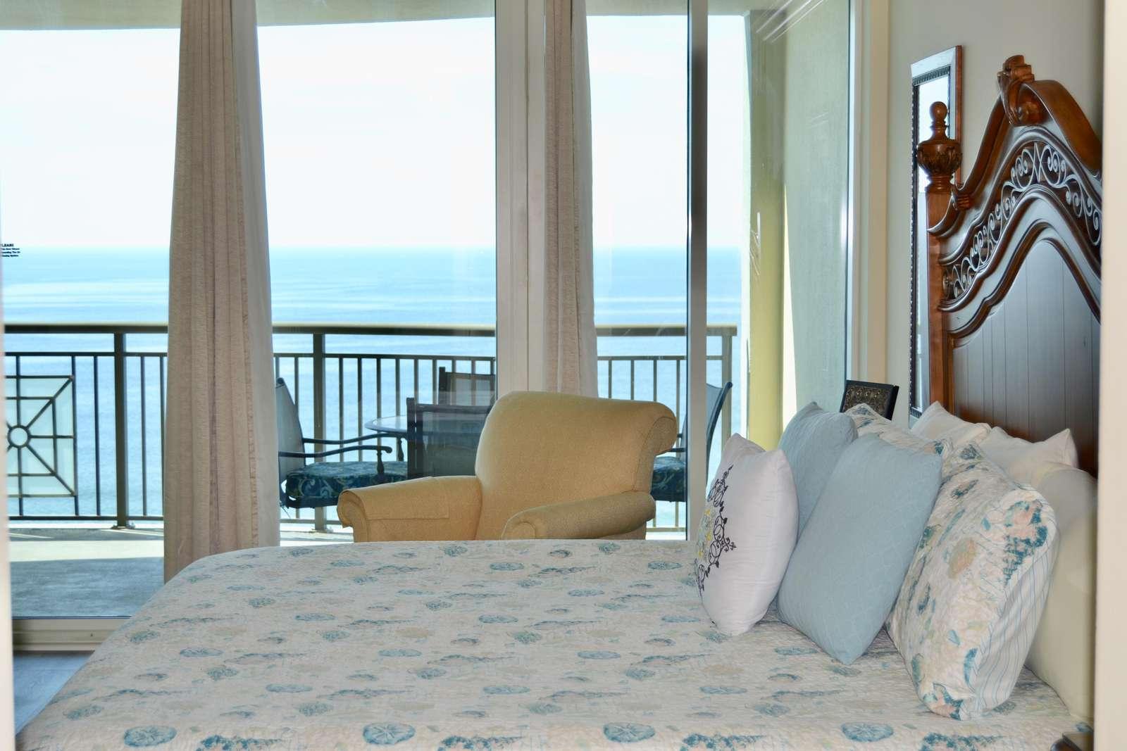 Master bedroom, balcony access