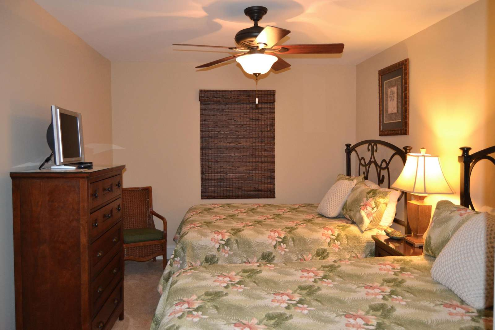 Guest bedroom, new coverlets
