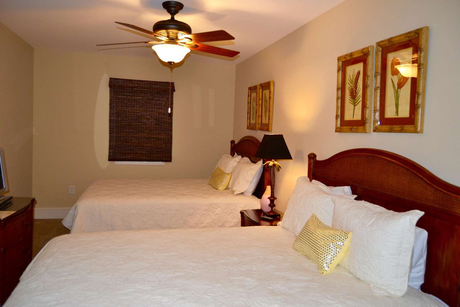 Guest bedroom, 2 queen beds, private bath and new coverlets