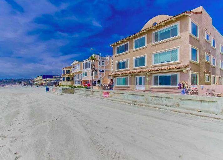 #342 Ocean Front Luxury Ground level 2 unit Combo - Sleeps 18