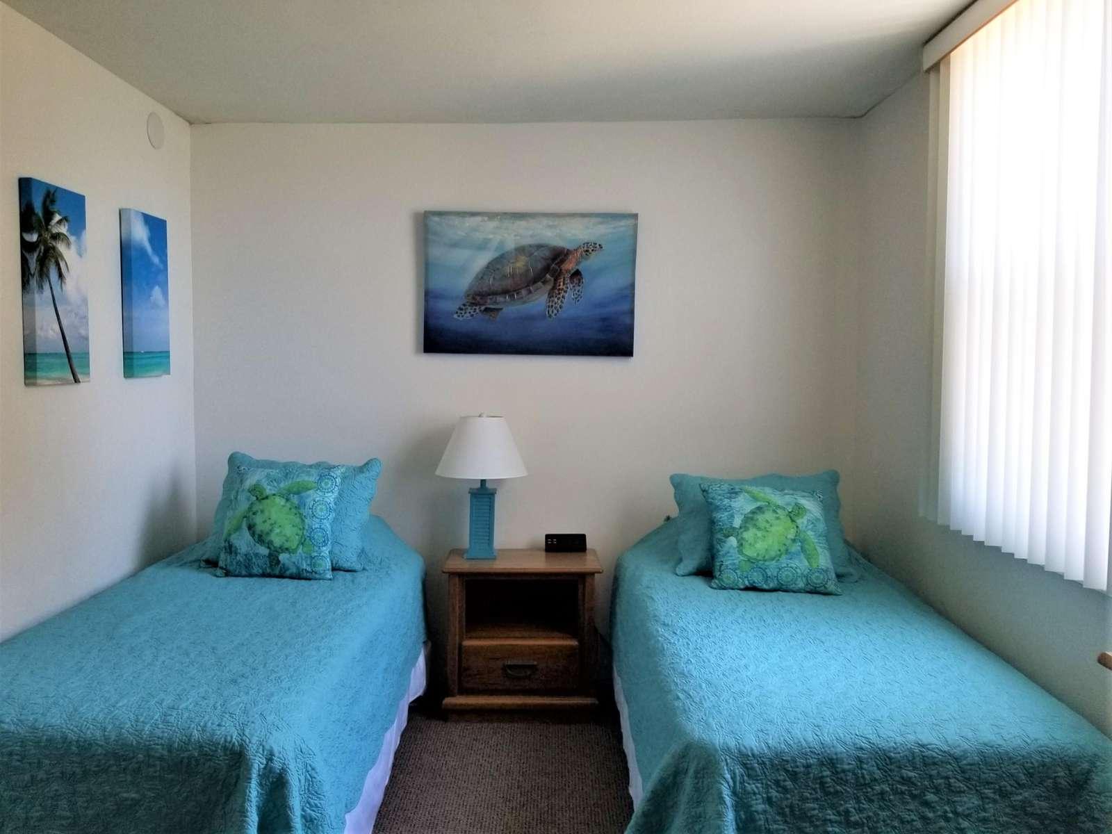 Guest bedroom (twins)