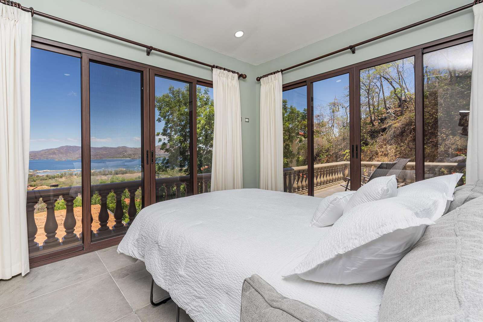 4th guest suite, with comfortable Queen size sleeper sofa bed, private bathroom, mini bar, private ocean view terrace