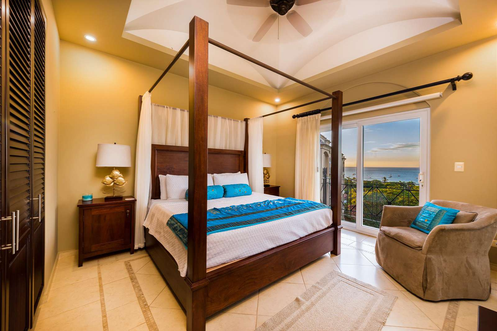 Master bedroom, king size canopy bed, full bathroom, ocean views