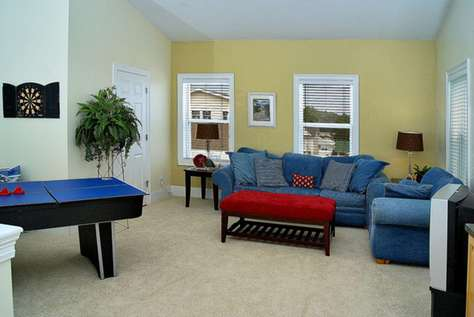 Third Floor Living area with Queen Sofa Sleeper, Game Table & Half Bath