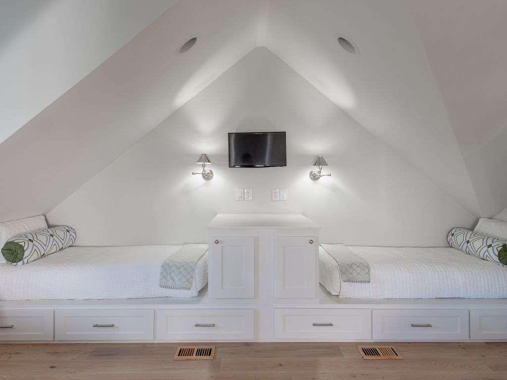 Bunk Beds Third Floor