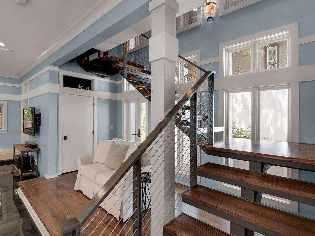 Grant Stairway to Second Floor