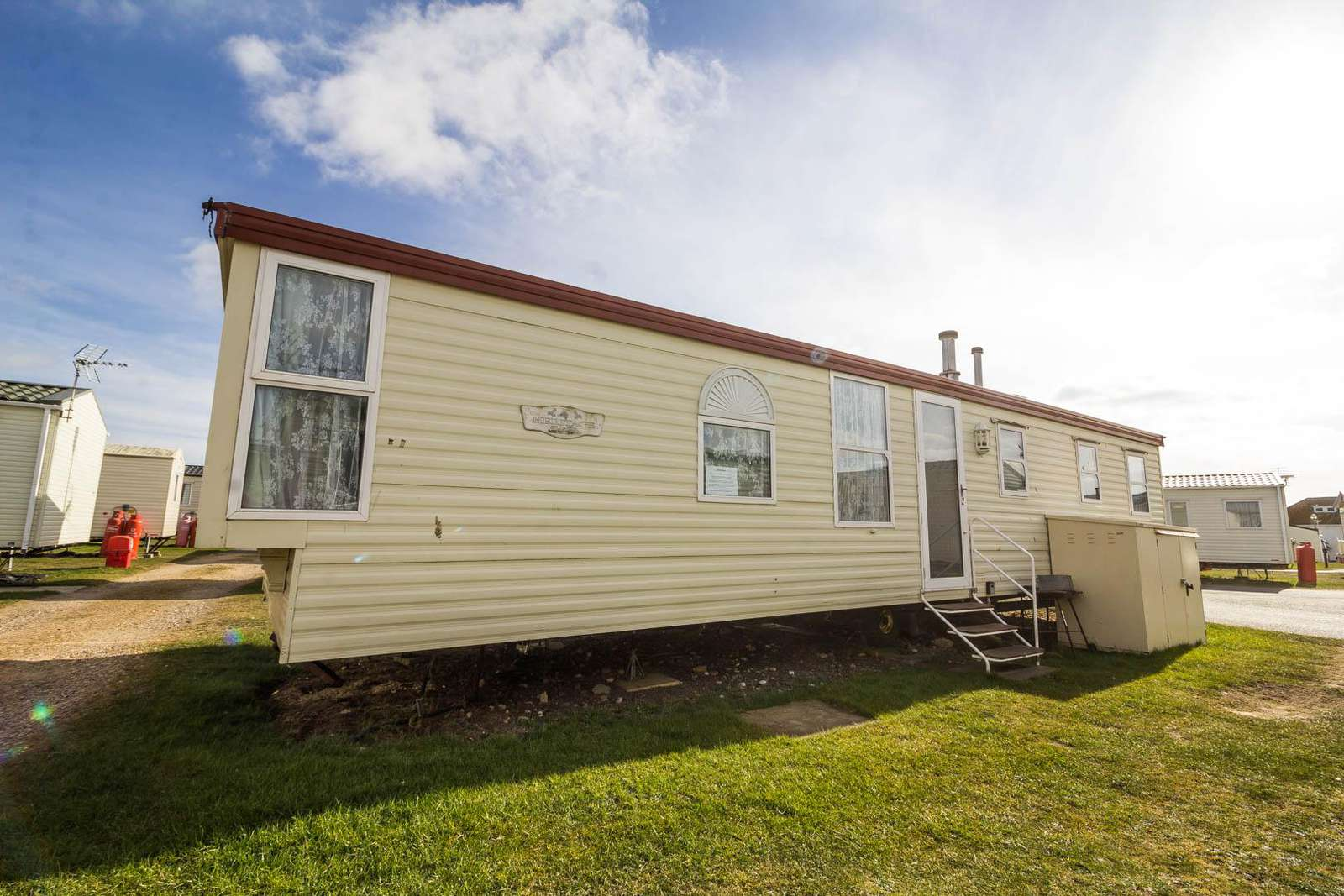 90047SV – Sea View area, 3 Bed, 8 Berth, caravan with partial seaview. Ruby rated. - property