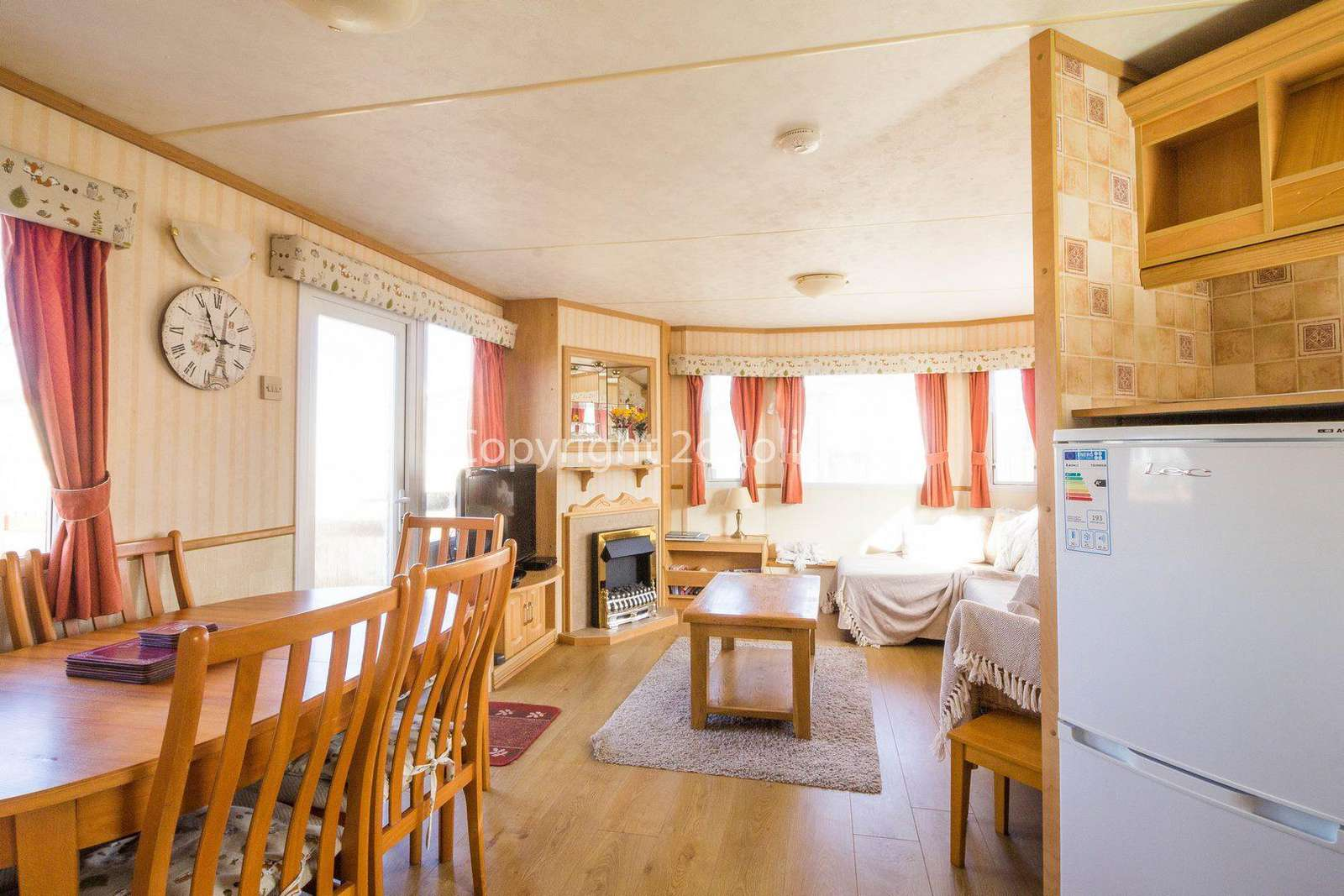 Spacious and open plan lounge/diner/kitchen!
