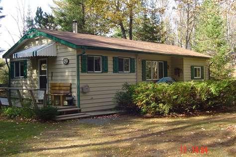 1229 Halls Lake Cottage
