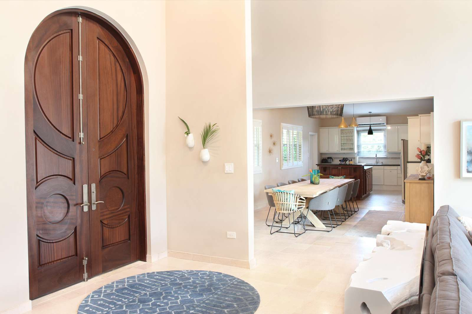 Entry toward Dining and kitchen area