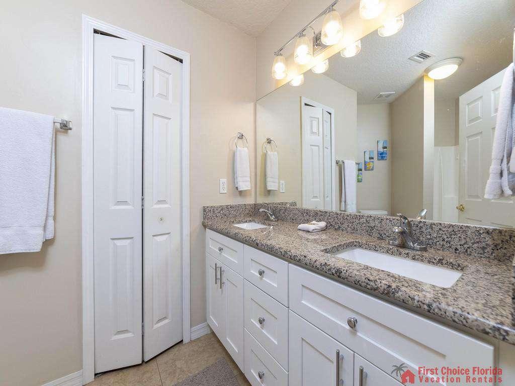 Hibiscus I201 Bathroom