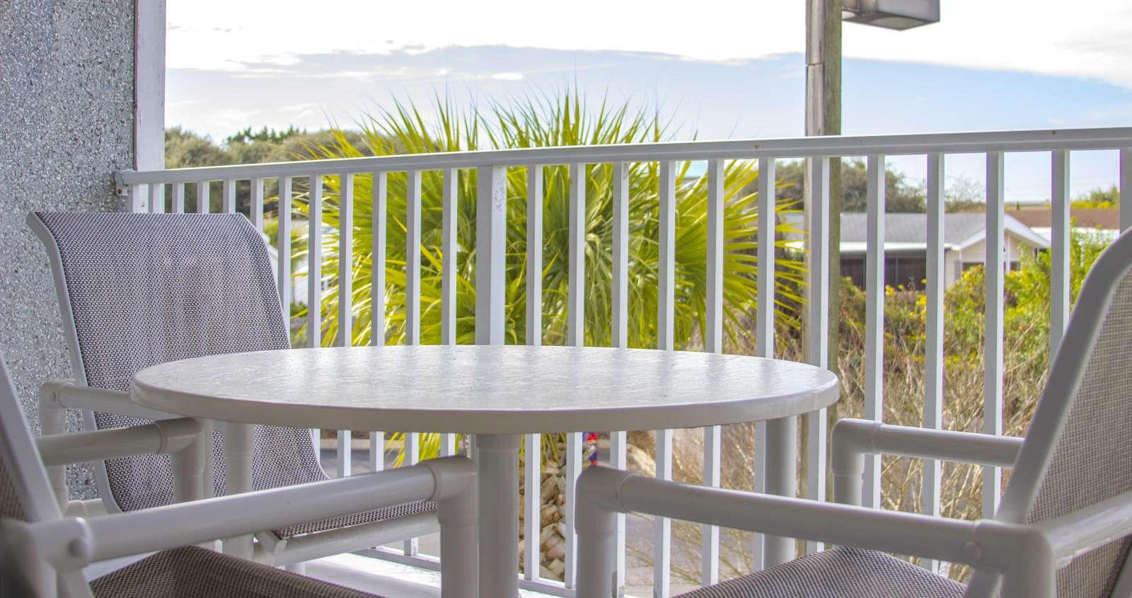 Hibiscus I201 Balcony