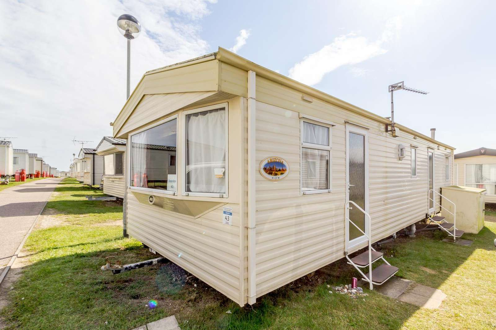 90043SV – Sea View area, 3 bed, 8 berth caravan close to the beach. Sapphire rated. - property