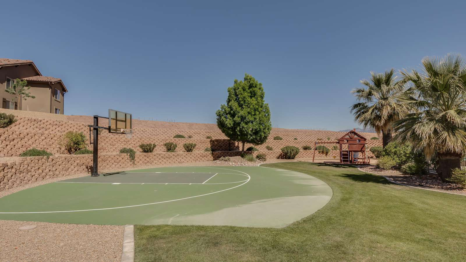 Playground/Basketball & Tennis Courts