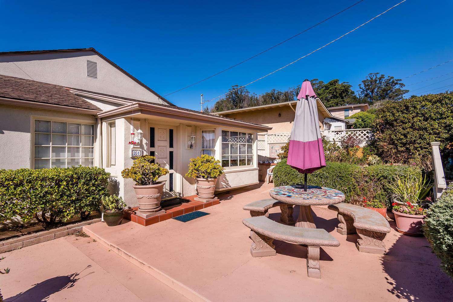 261 Shasta Ave - property