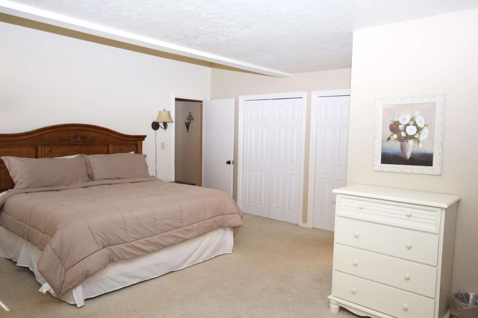Master Bedroom = 1 King, 2 Full + 1 Twin Trundle + 1 Sofa Bed = 5 BEDS