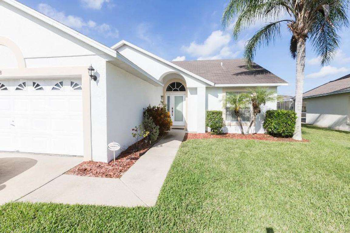 A821 Lakeshore - property