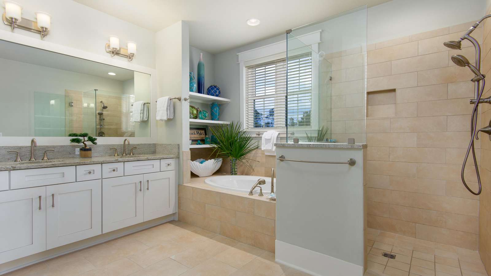 upstairs king master with tub & shower