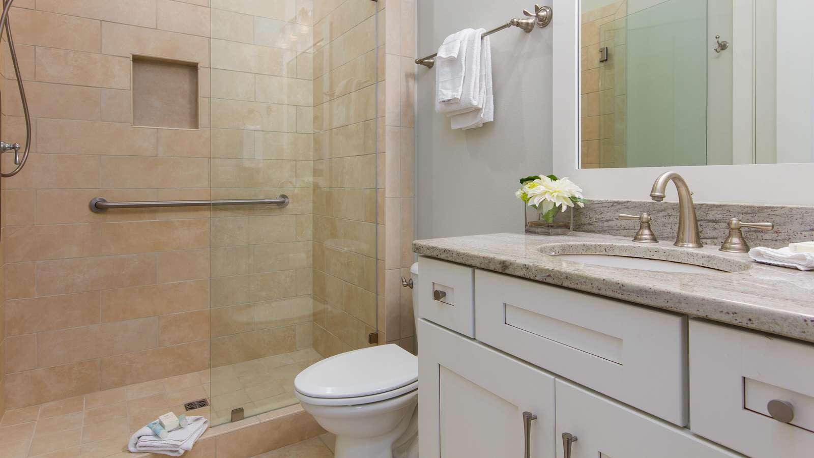 1st floor king bath & 1st flr bath