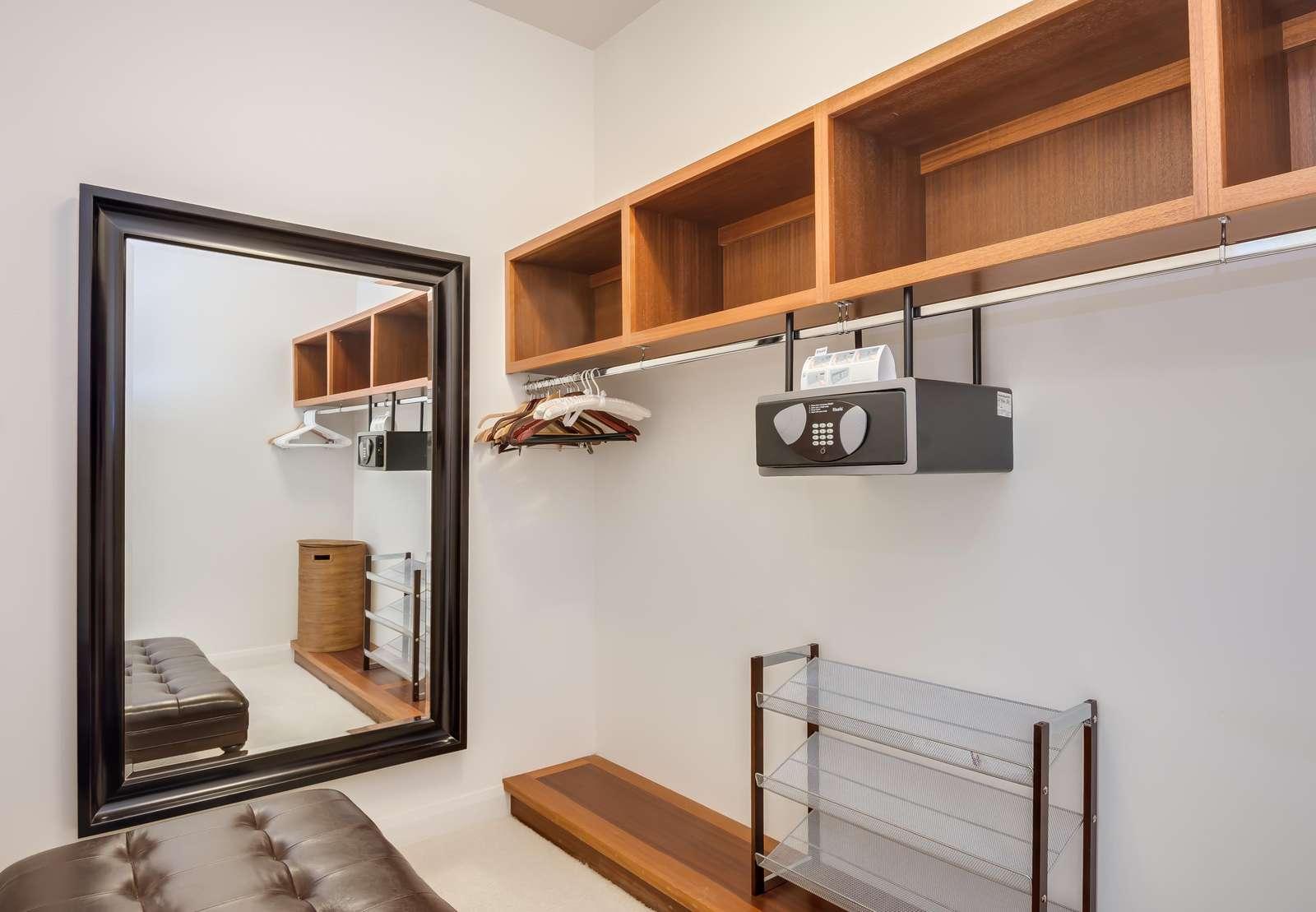 Suite 2 walk-in closet