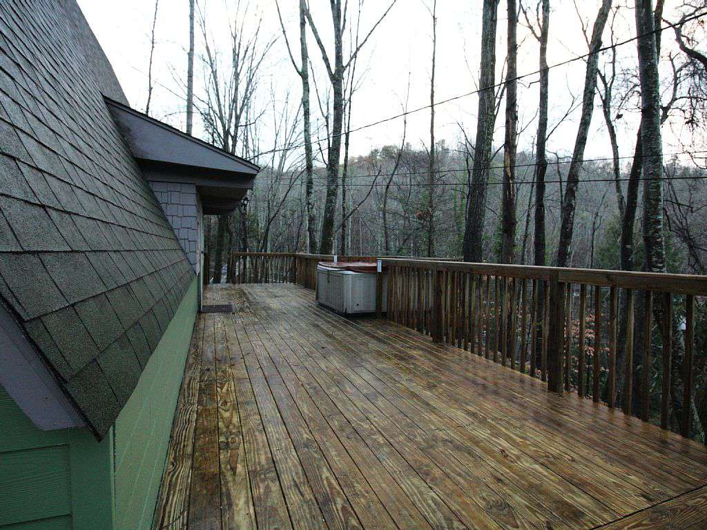 Large Decks With Spa