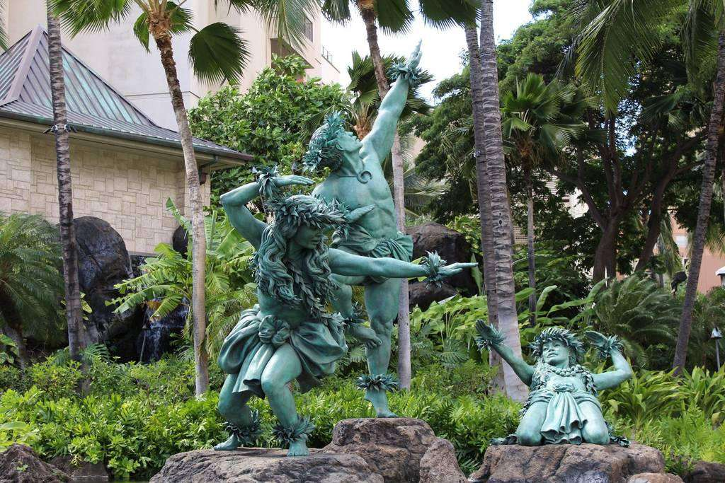 Great art and sculptures around the area